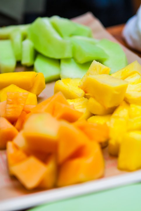 Salmonella lawyer- plate with chunks of pineapple and cantaloupe and honeydew melon